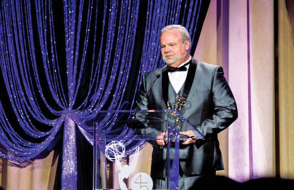 Art Berger '86 receives award