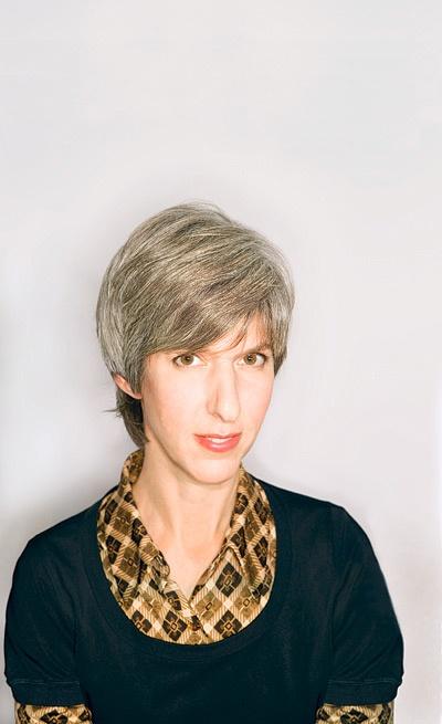 Portrait of Lauren Zalaznick.