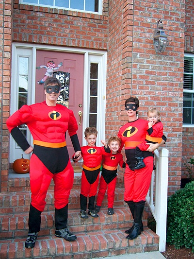 Photo of Randy Pausch and his family dressed up as characters from the Incredibles.