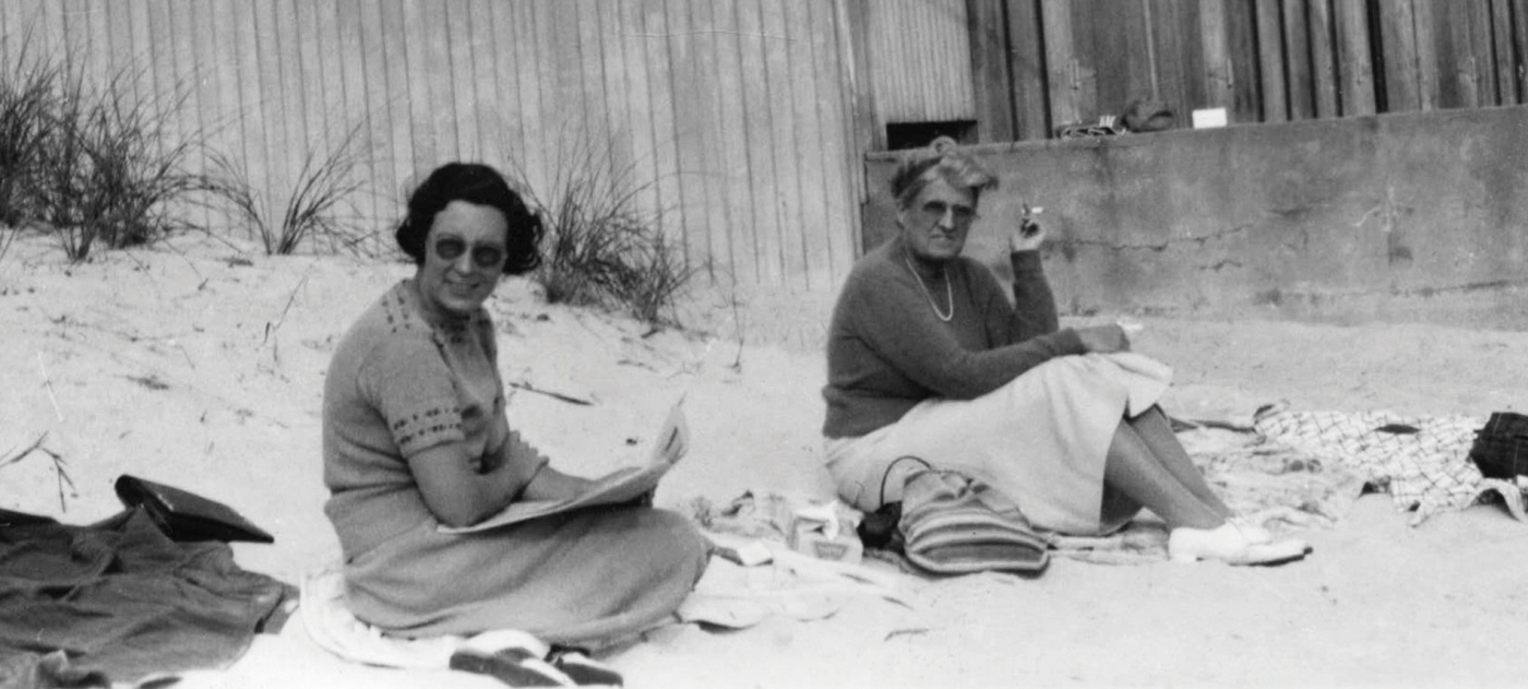 Morriss relaxing with a friend, Ellen Fernon, in 1938.