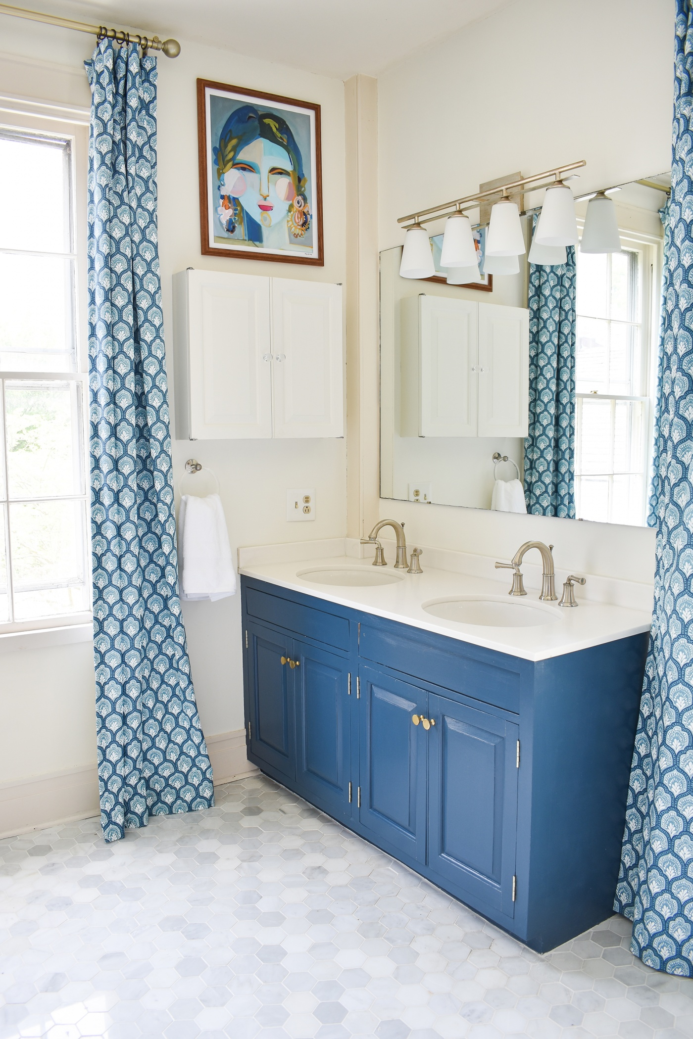 Image of Charlotte (Martin) Smith's bathroom