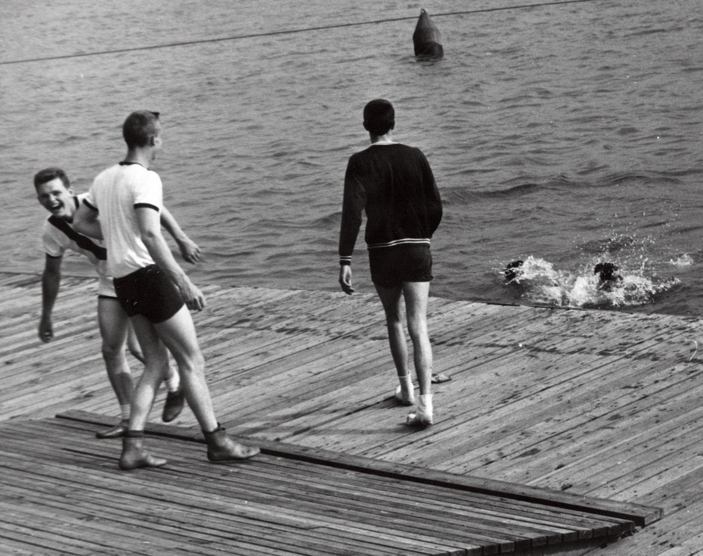 1960 crew coxswain toss