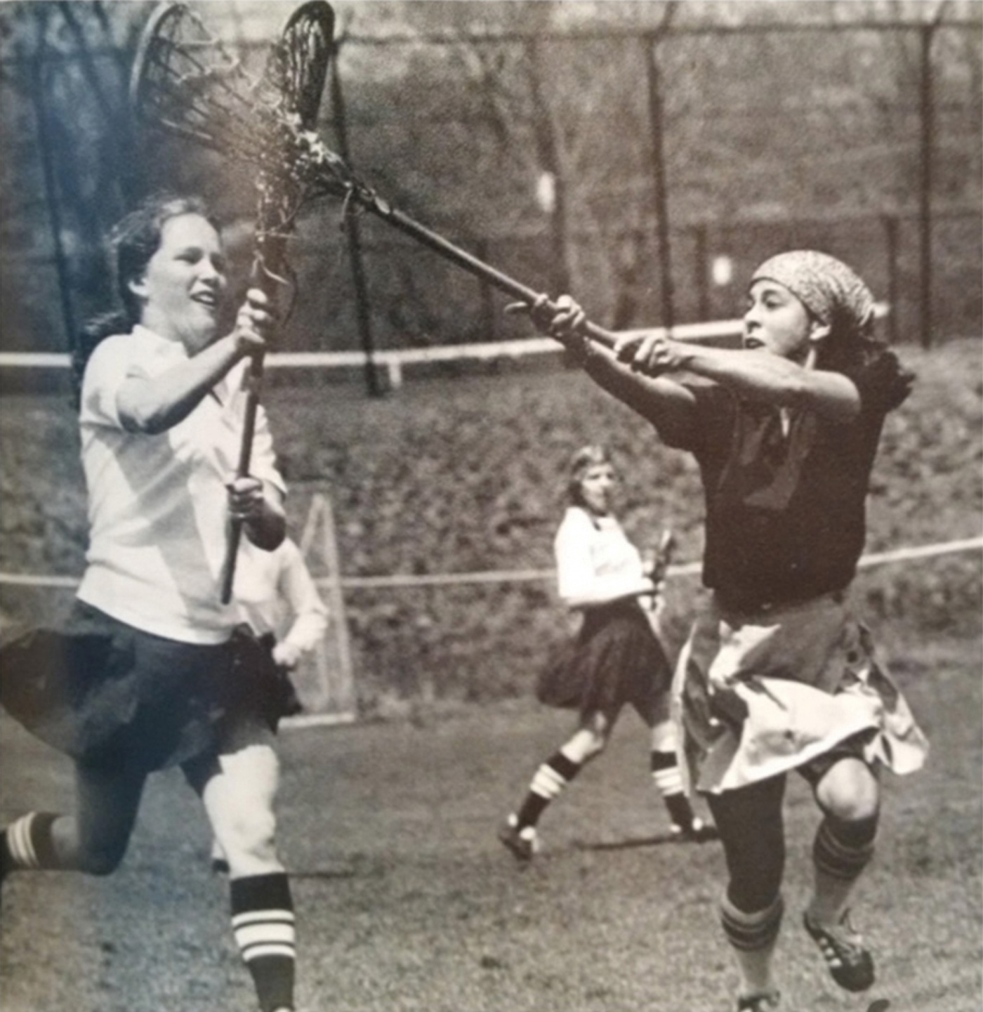 Lacrosse player Genine Fidler '77 (right)