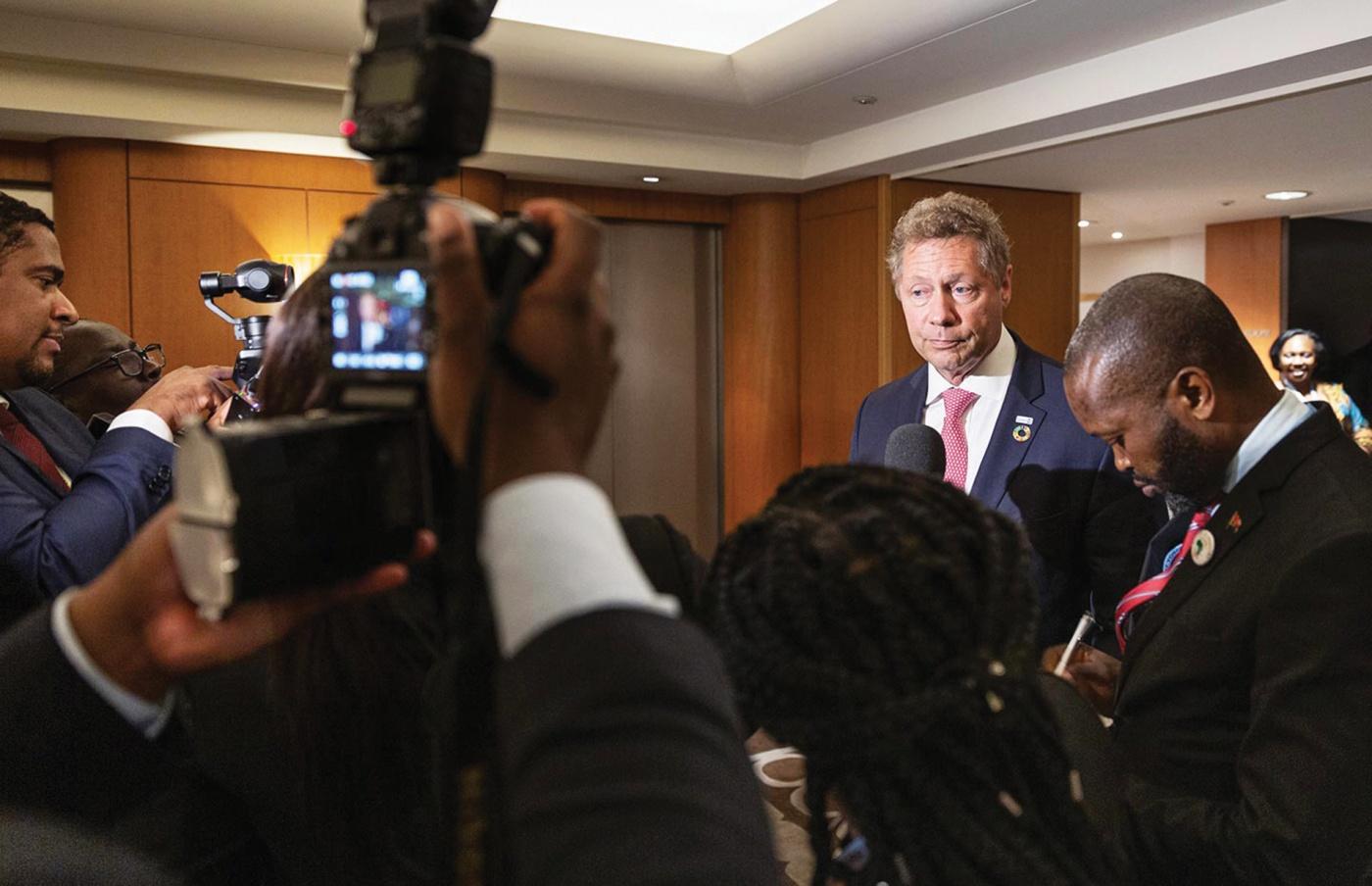 Berkley meets with press