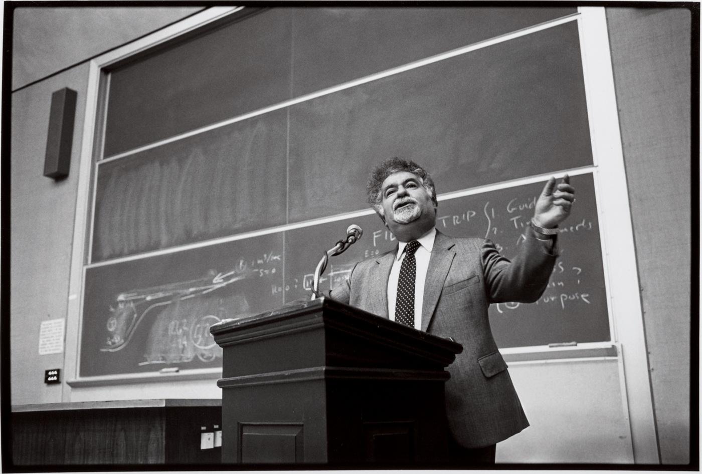 Vartan Gregorian teaching a class