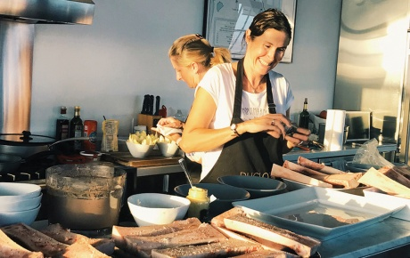 Photograph of Tania Teschke '93 in the kitchen