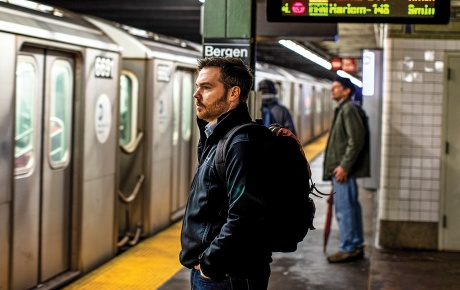 Image of Kevin Roose in a subway station
